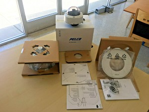 NEW PELCO IS51-CHV10FX CAMCLOSURE 2  INDOOR / OUTDOOR MINI DOME CAMERA